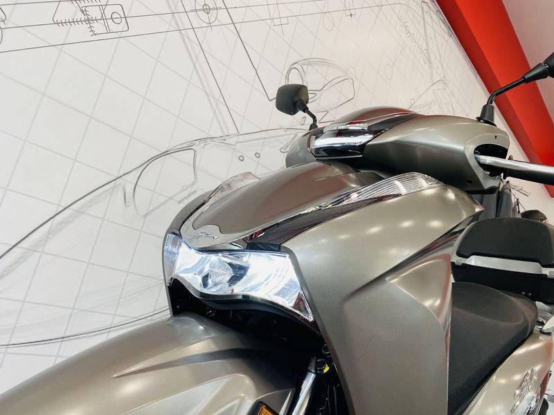 moto nuove pronta consegna milano honda sh 300 benzina sh